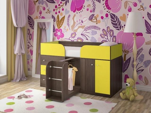 Детская кровать с комодом, шкафом и выдвижной лестницей