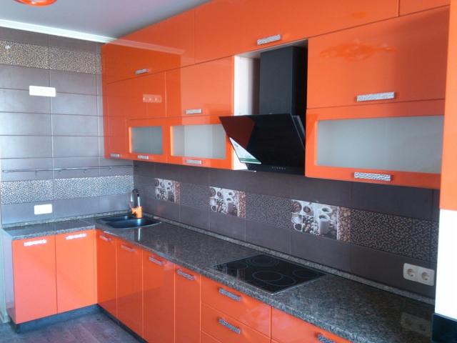 Кухня оранж глянец+тосканский гранит